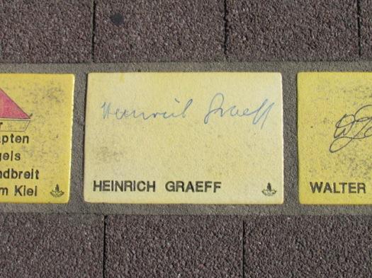 Fliese 19 - Karlsruher Sonnenfächer - Heinrich Graeff