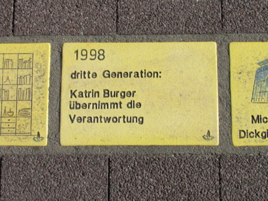 Fliese 71 - Karlsruher Sonnenfächer - 1998 - Burger dritte Generation
