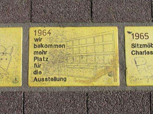Fliese 127 - Karlsruher Sonnenfächer - 1964 - Burger bekommt mehr Platz