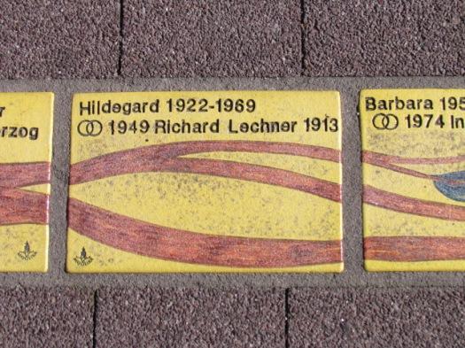 Fliese 257 - Karlsruher Sonnenfächer - Stammbaum Burger
